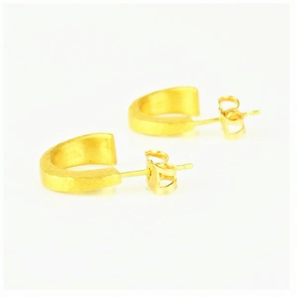 Betts, Malcolm – Gold Diamond Tapered Hoop Stud Earrings | Malcolm Betts | Primavera Gallery