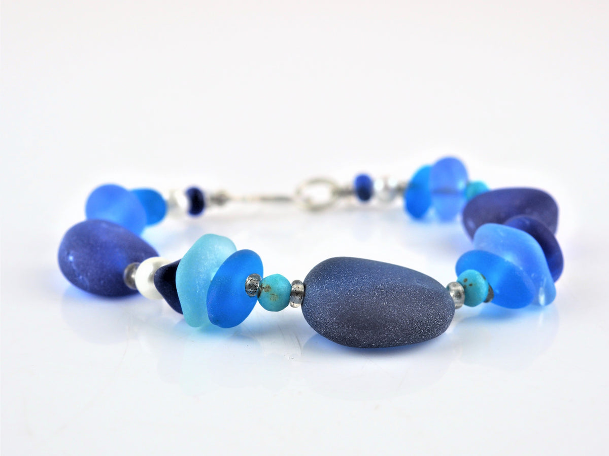 1c367e908f20e Cowen, Gina – Deep Blue Sea Glass Bracelet