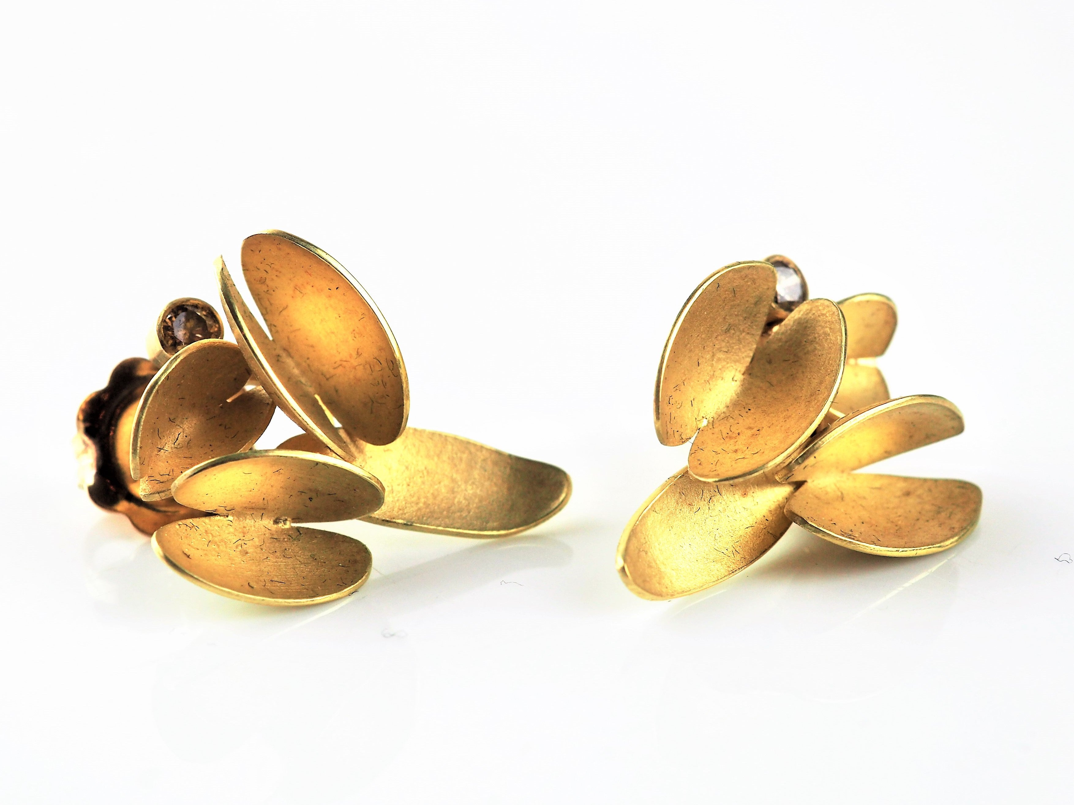 Gold Earrings | Catherine Mannheim | Primavera Gallery