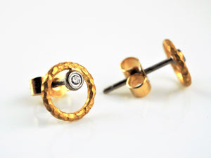 Betts, Malcolm – Gold Diamond Circle Studs | Malcolm Betts | Primavera Gallery