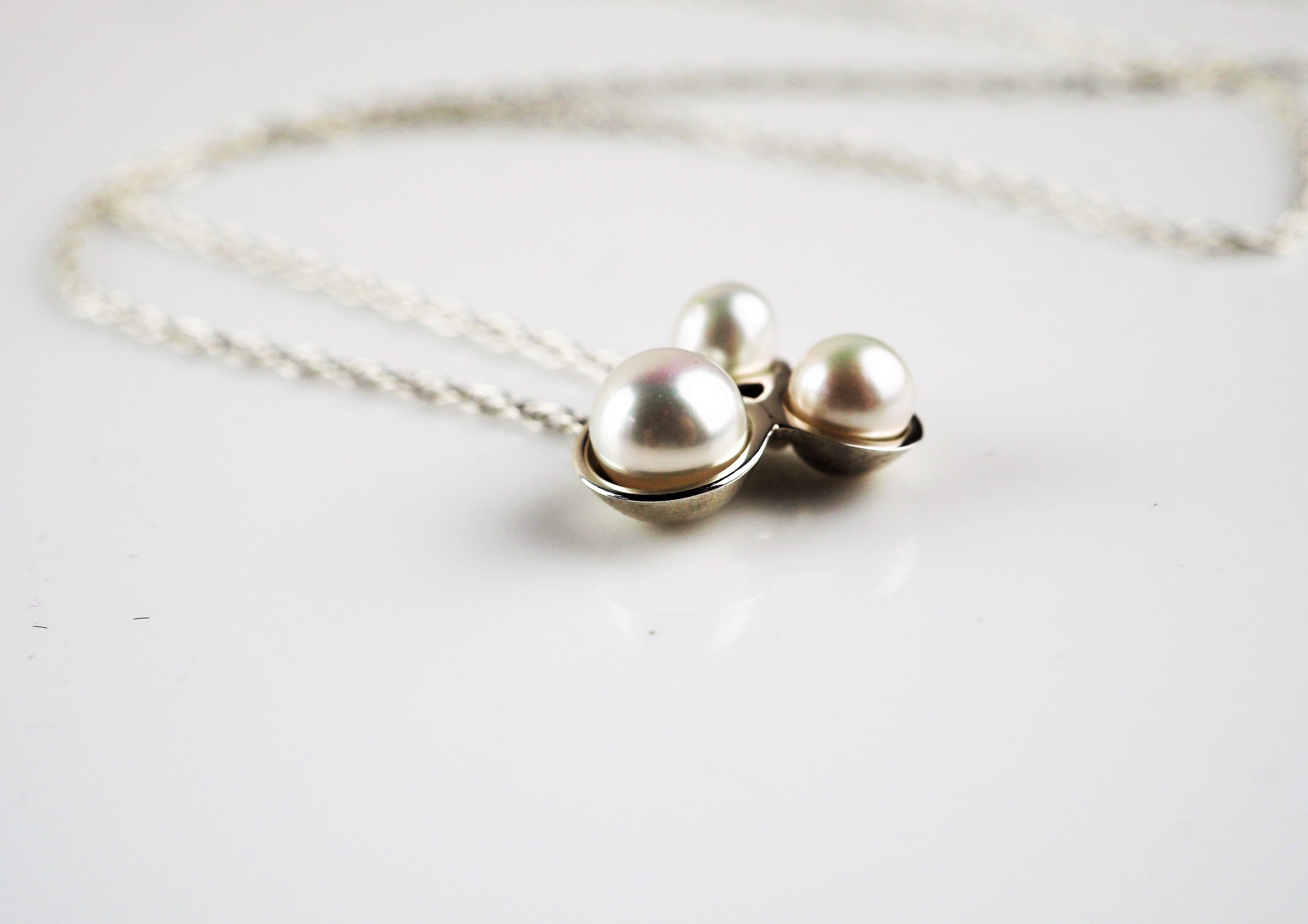 Gilbert, Jenny – Small Cluster Pearl Necklace | Jenny Gilbert | Primavera Gallery