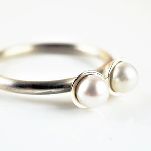 Gilbert, Jenny – Conjoined Pearl Ring | Jenny Gilbert | Primavera Gallery