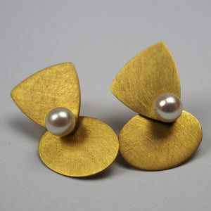 Krinos, Daphne – Yellow Gold and Pearl Earrings