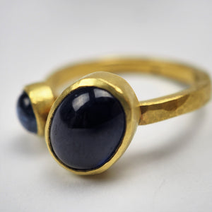 Krinos, Daphne – Two Cabochon Sapphires Gold Ring