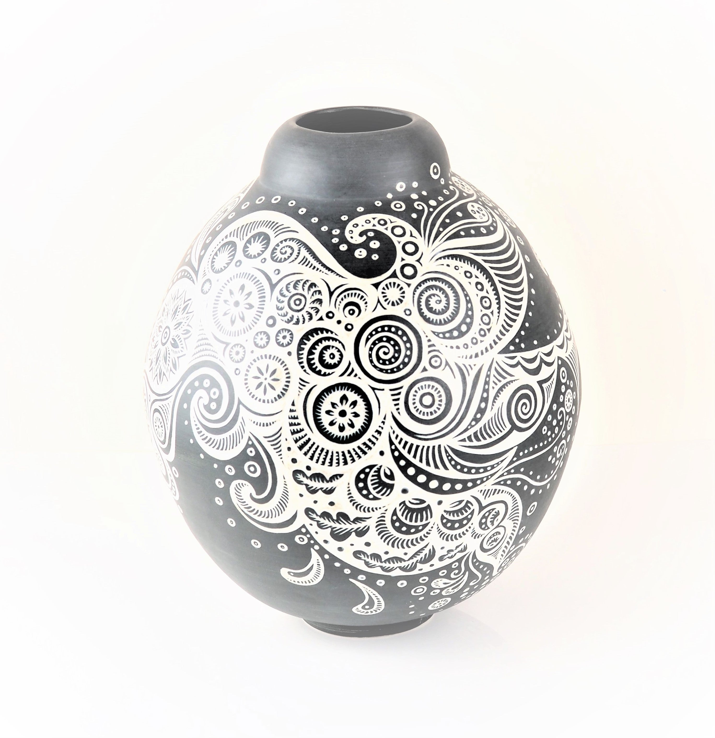 Tingay, Gregory – Dark Grey Slip Vessel | Gregory Tingay | Primavera Gallery