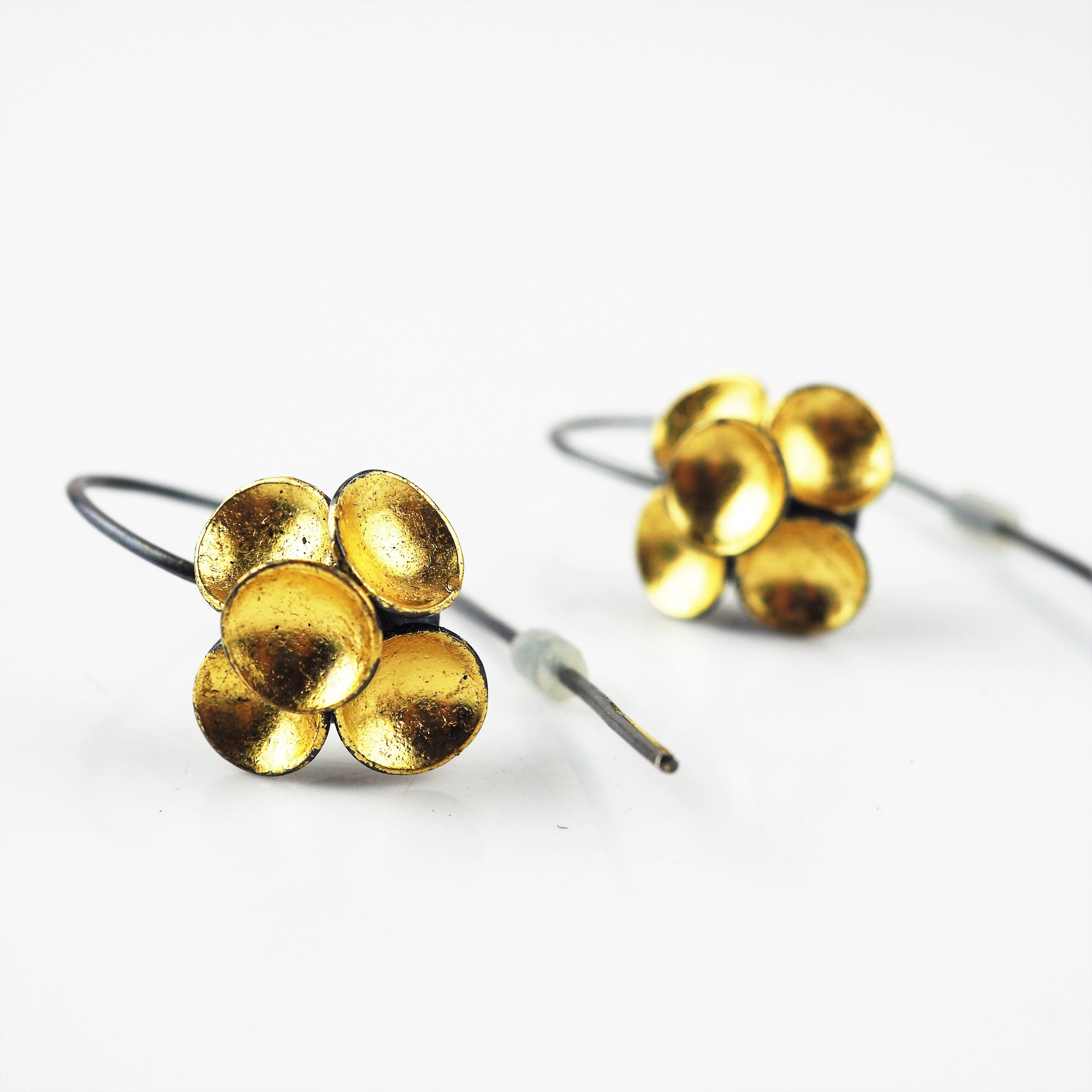 Wall, Jenifer – Gold Leaf Cluster Wire Earrings | Jenifer Wall | Primavera Gallery
