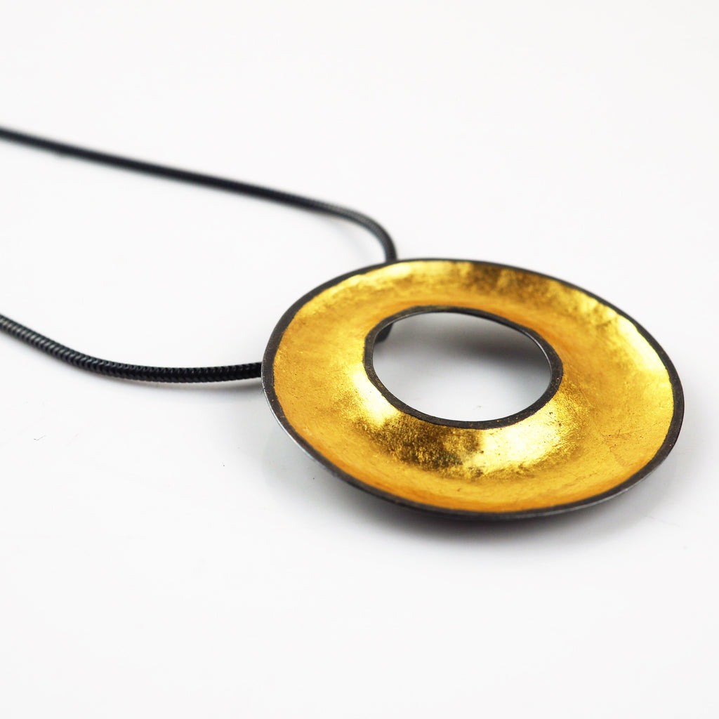 Wall, Jenifer – Gold Leaf Pendant Necklace