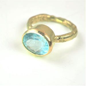 Allsopp, Disa – Aquamarine Gold Ring