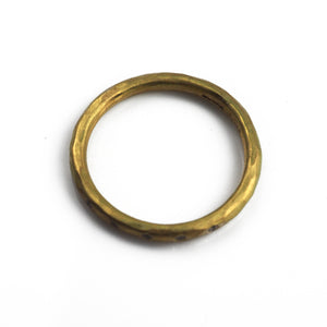 Betts, Malcolm – Channel Set Diamond Gold Ring | Malcolm Betts | Primavera Gallery