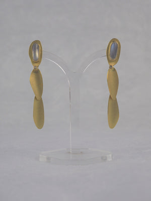 Mannheim, Catherine – Gold and Moonstone Earrings