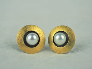 Klosowski, Kai - 22ct Gold and White Pearl Studs
