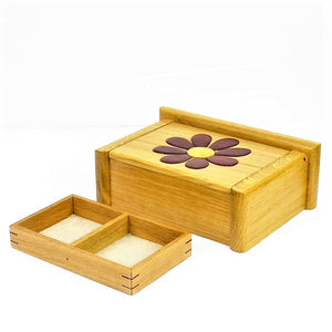 Mundell, Peter – Wooden Jewellery Box