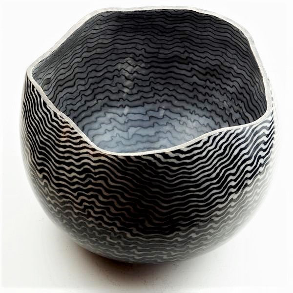Roberts, David – 'Ripple' Raku Ceramic Vessel | David Roberts | Primavera Gallery