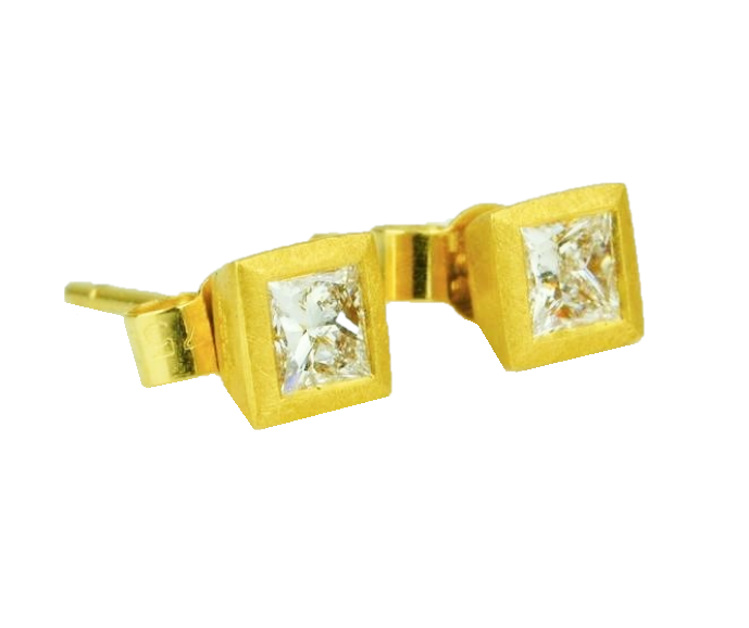 Betts, Malcolm – Gold Princess Cut Diamond Earrings | Malcolm Betts | Primavera Gallery