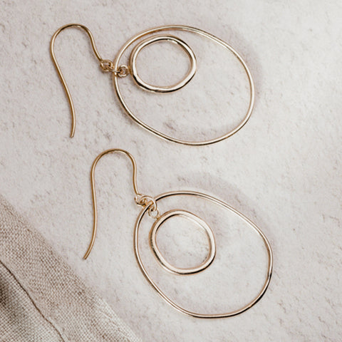Oval earrings gold