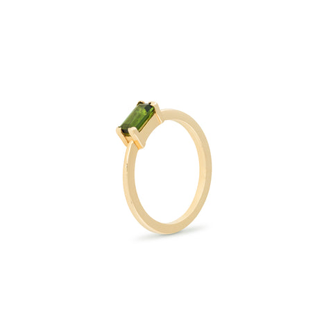 Green baguette gold ring