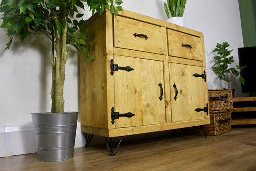 rustic walhampton sideboard made using solid wood. handcrafted by new forest rustic furniture finished in medium oak