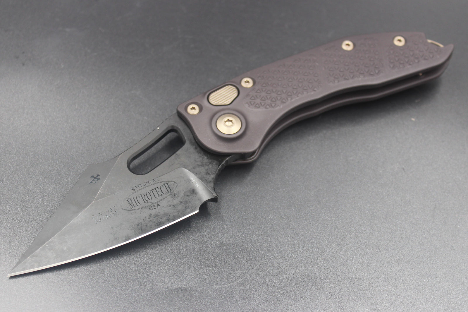 Microtech Stitch Out the Side Knives
