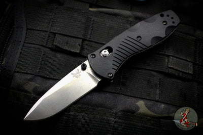 Benchmade Mini Barrage Axis-assisted Single Edge Black Handle Satin Plain Edge 585