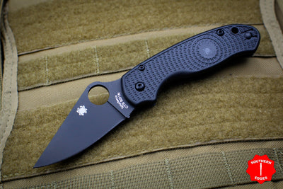 Spyderco Para 3 Lightweight Black Folder with Black Plain Edge C223PBBK