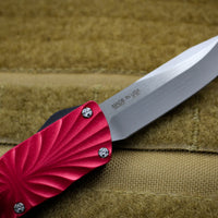 Twist Tighe SMALL Clip Point Edge OTF Red with Two-Tone Beadblast Plain Edge Blade 1301-1 RD