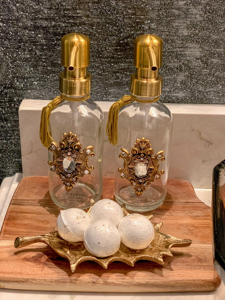 Soap Dispenser with Broche