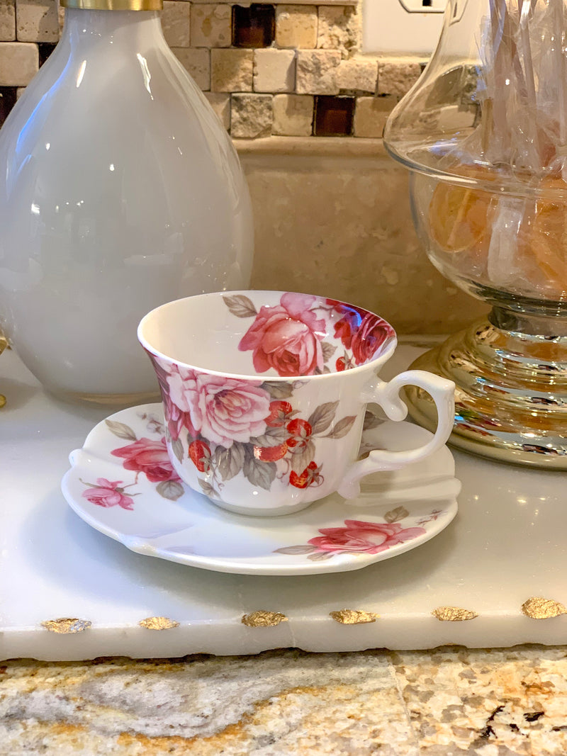 (Set of 4) Peony and Strawberry Scallop Tea Cup w/ Saucer