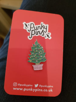 Punky pins - Christmas tree