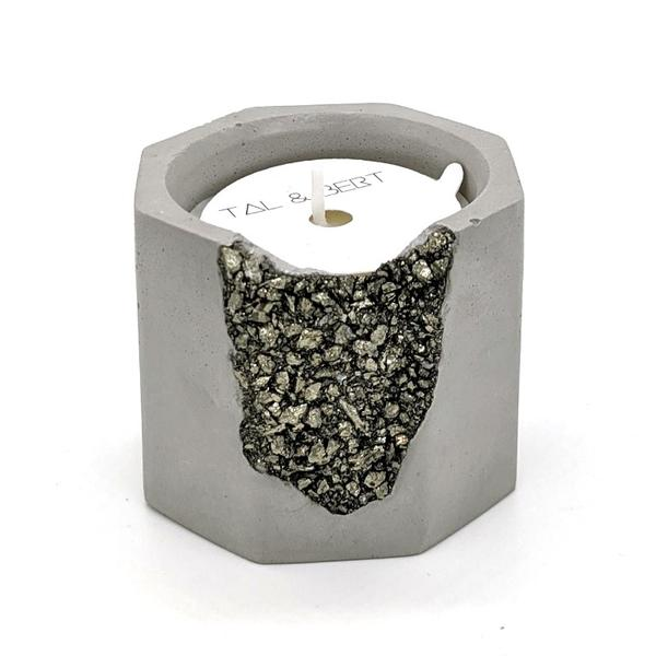 Pyrite Bourbon & Tobacco Flower Candle