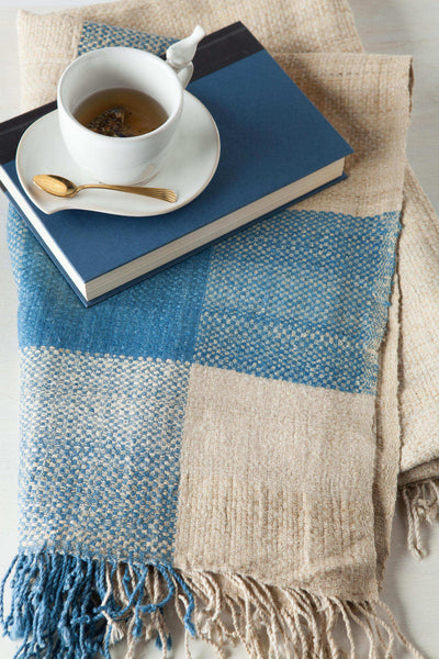 INDIGO BORDER Throw
