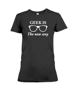 Geek Is The New Sexy Women's T-Shirt - Feels 22