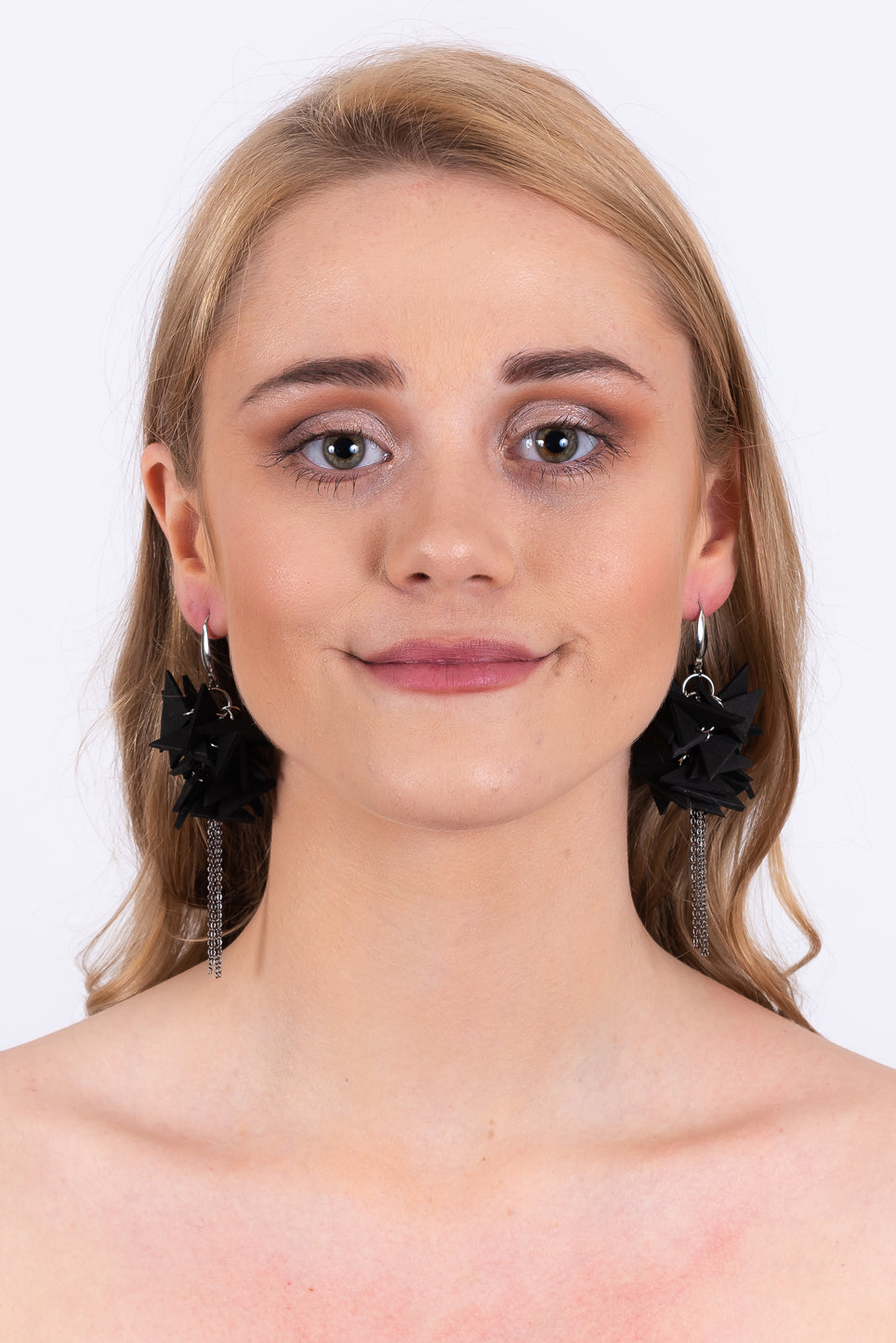 Triangles Drop Earrings With Chain | Black
