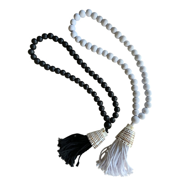 Coastal Beaded Necklace (Black or White)