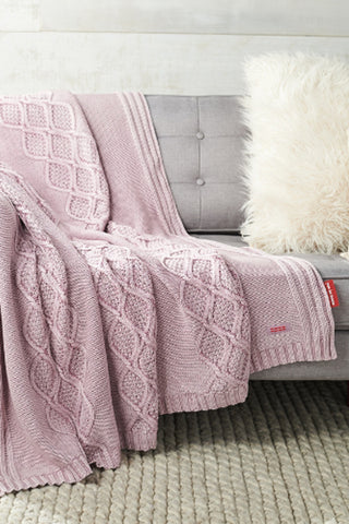 Oversized Knitted Throw