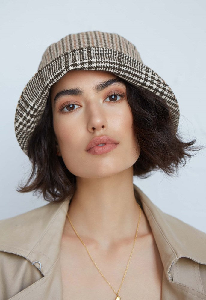 Avenue Georgine Bucket Hat in Houndstooth from The New Trend