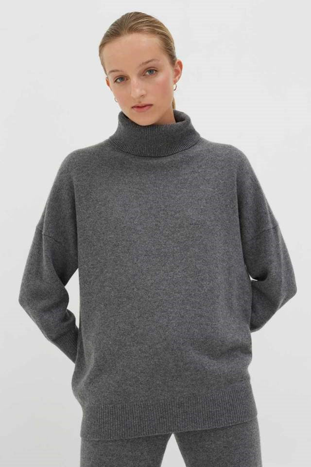 Chinti & Parker Relaxed Polo Cashmere Sweater in Grey from The New Trend