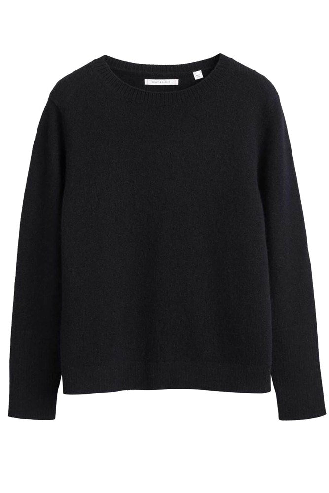 Chinti & Parker The Boxy Cashmere Sweater in Black from The New Trend