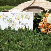 Offer to your mum the skin care she needs to be fresh daily for the Mother's Day. This gift box made in France brings your skin softness and comfort day afetr day. Body lotion to nourish all your body and hand cream to repair your hands, the essantial products to pampered your skin - Mademoiselle Provence