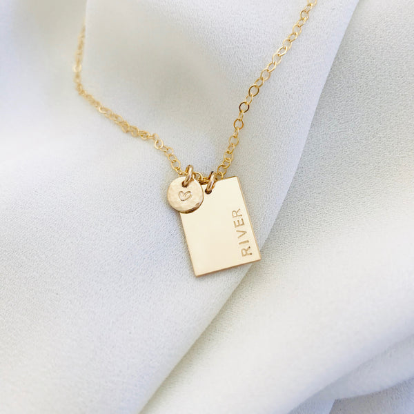 Ari - Rectangle & Tiny Pendant
