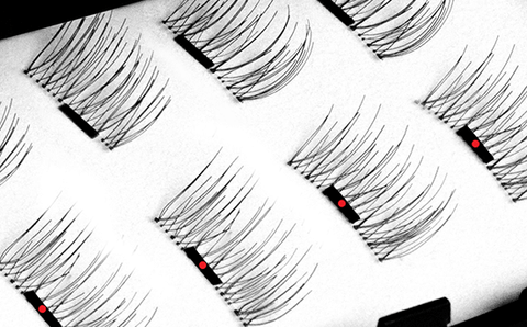 The Amazing Magnetic Eyelashes - (50% OFF)