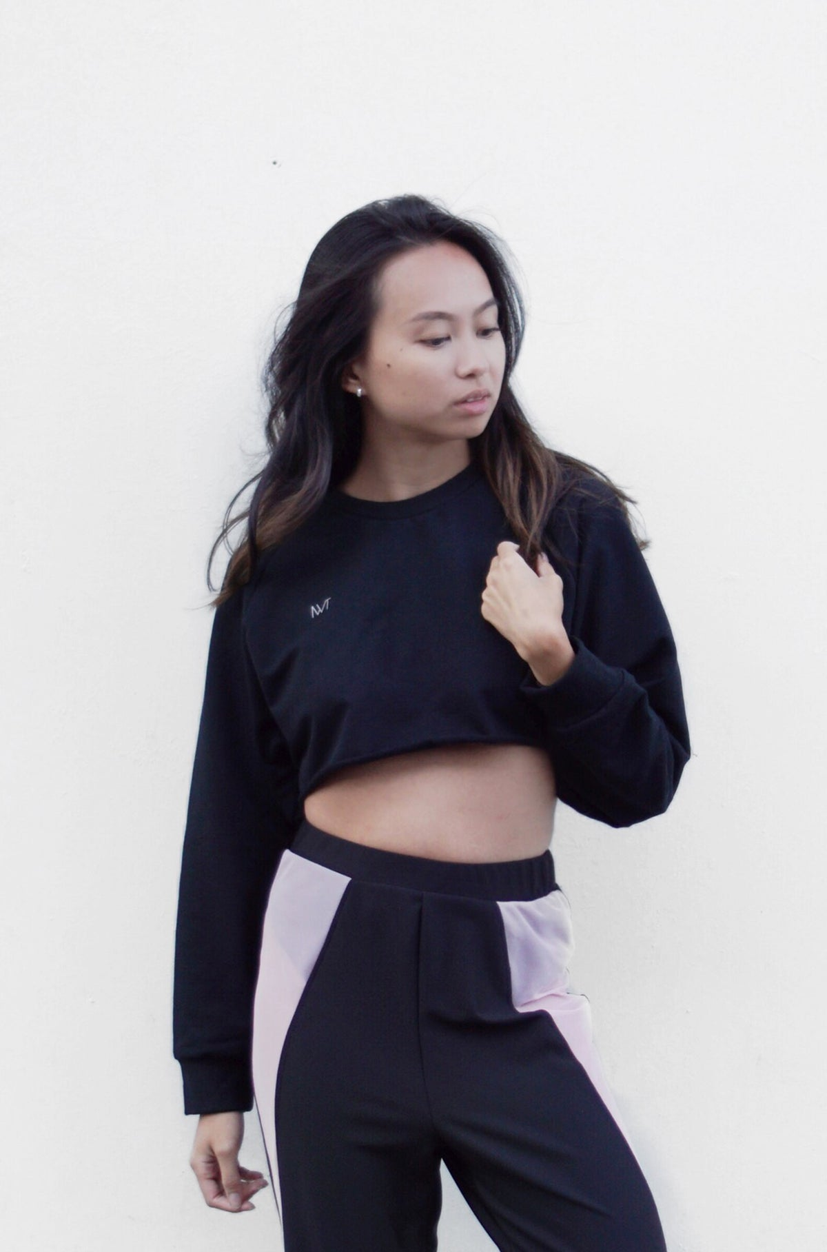 Full Out Cropped Crewneck - BLACK