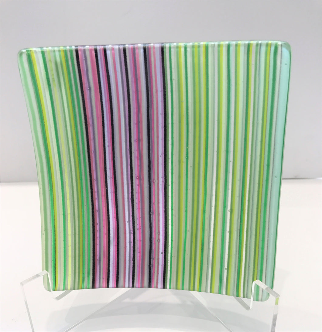 Linear Dish (green / maroon)