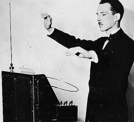 Leon Theremin gets it on