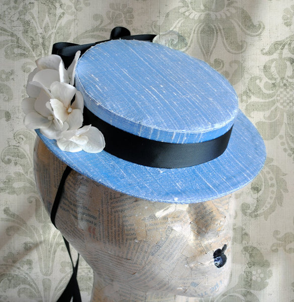 Alice in Wonderland Cosplay Mini Hat with Bow-By Bizarre Noir
