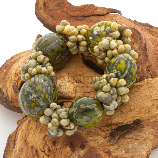 Ah Nuts – Philippine Nutshell Stretch Bracelet