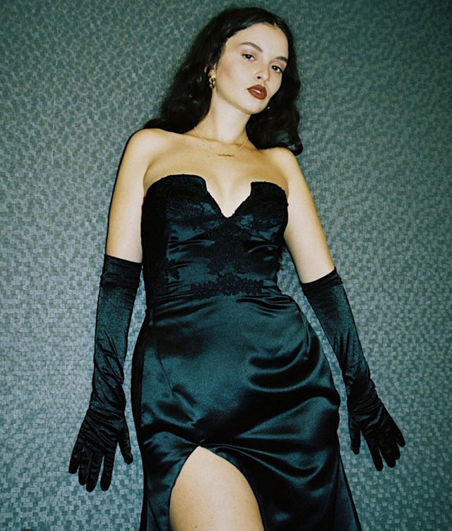 "Sabrina Claudio ""Truth is Tour"" in Custom LNH Looks"