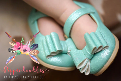 SOLD OUT Pipperdoodles Mint Bow Shoes
