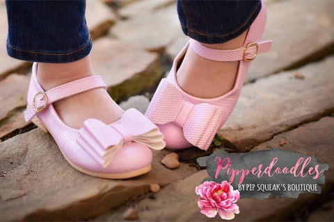 Pipperdoodles Textured Light Pink Bow Shoes (READ DESCRIPTION)