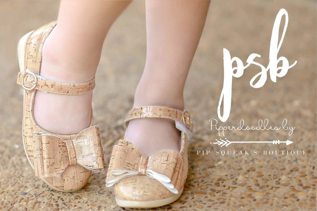 Pipperdoodles Light Cork Bow Shoes (READ DESCRIPTION)