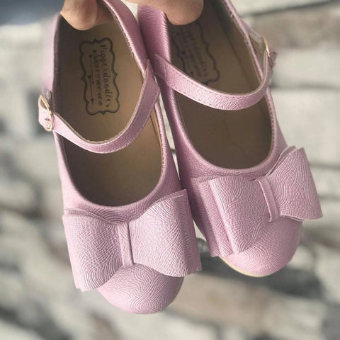 Pipperdoodles Peony Pink Light Pink Bow Shoes (READ DESCRIPTION)